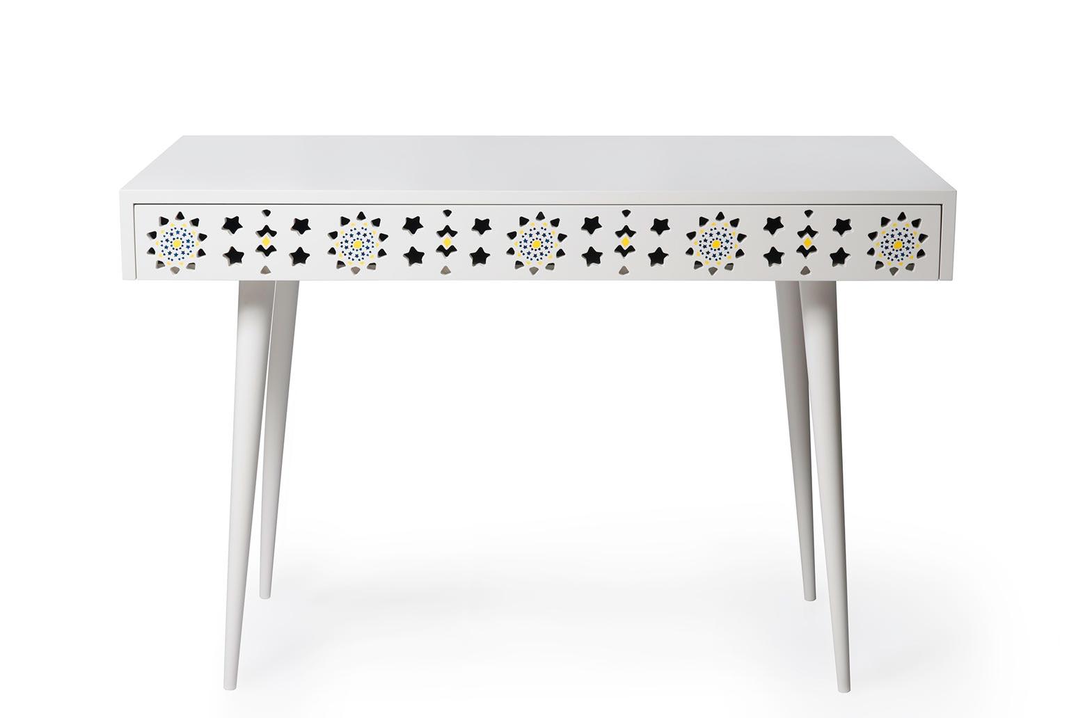 alborz-desk-1