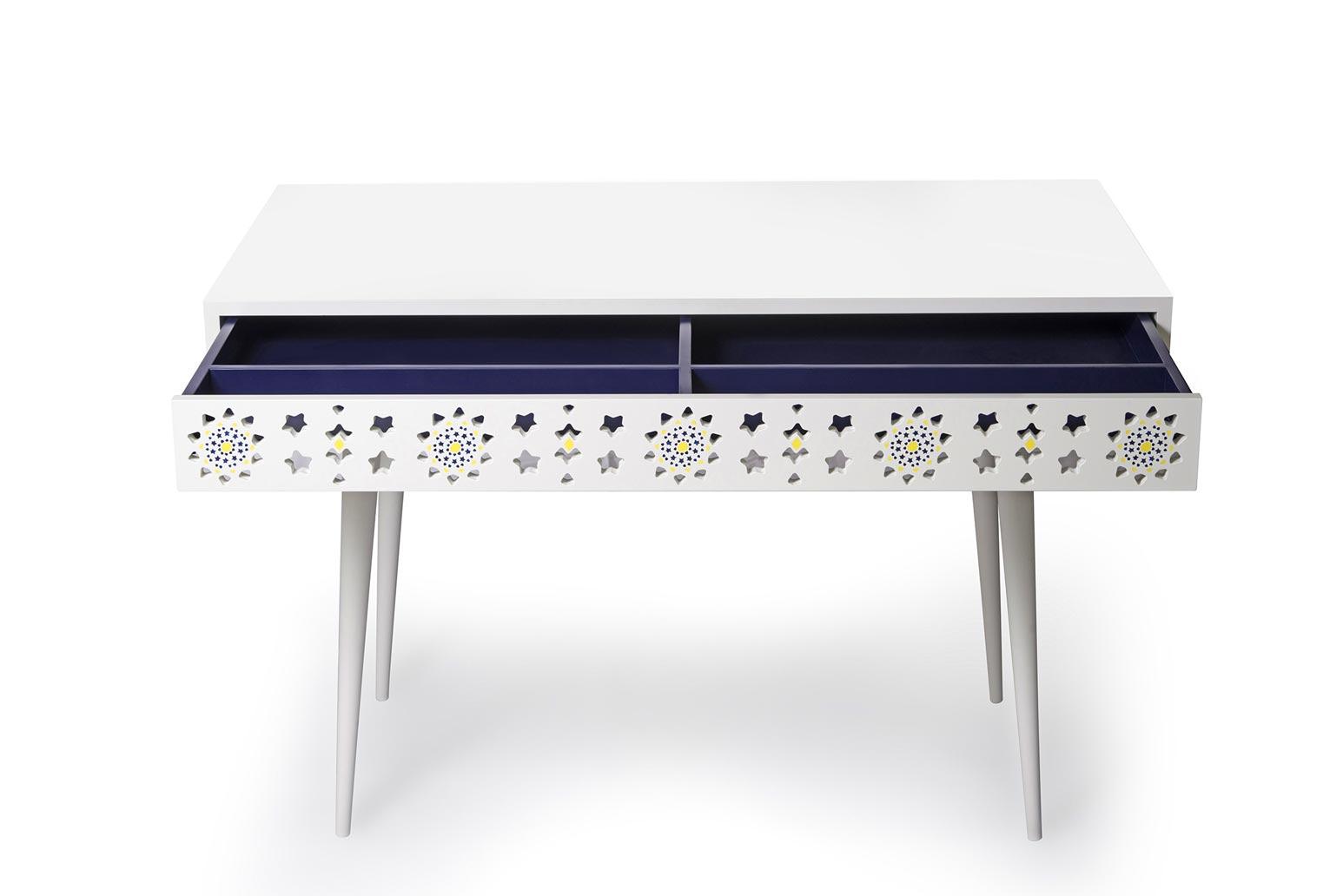 alborz-desk-2